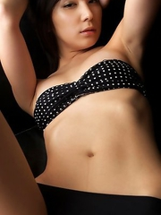 Miu Nakamura tempts any man with her hot curves in lingerie